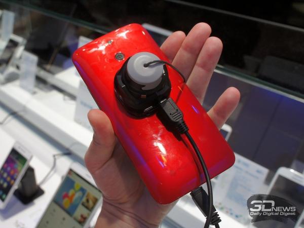 HTC ONE E8 вид сзади